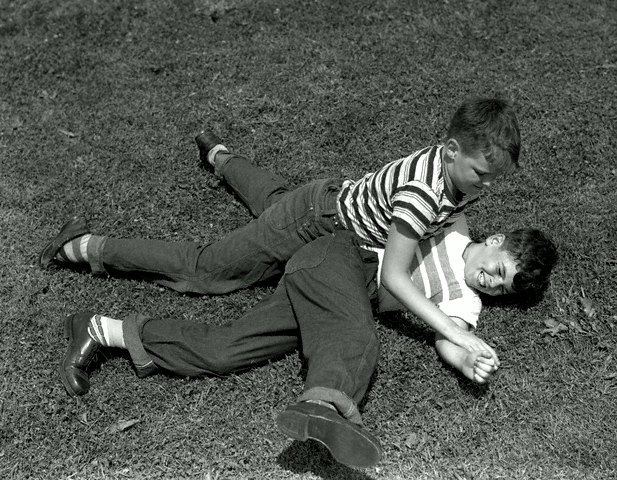 two-boys-fighting