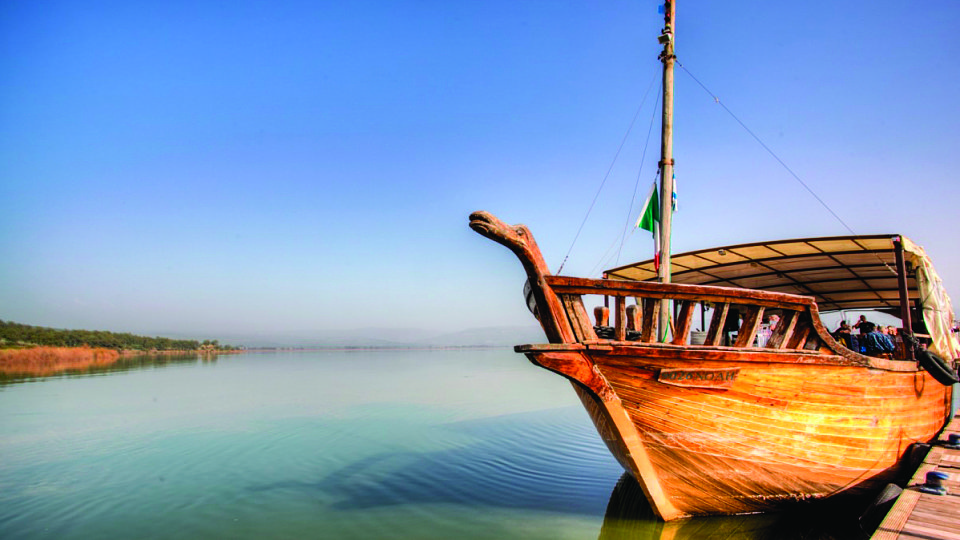 HL boat-on-the-sea-of-galilee1