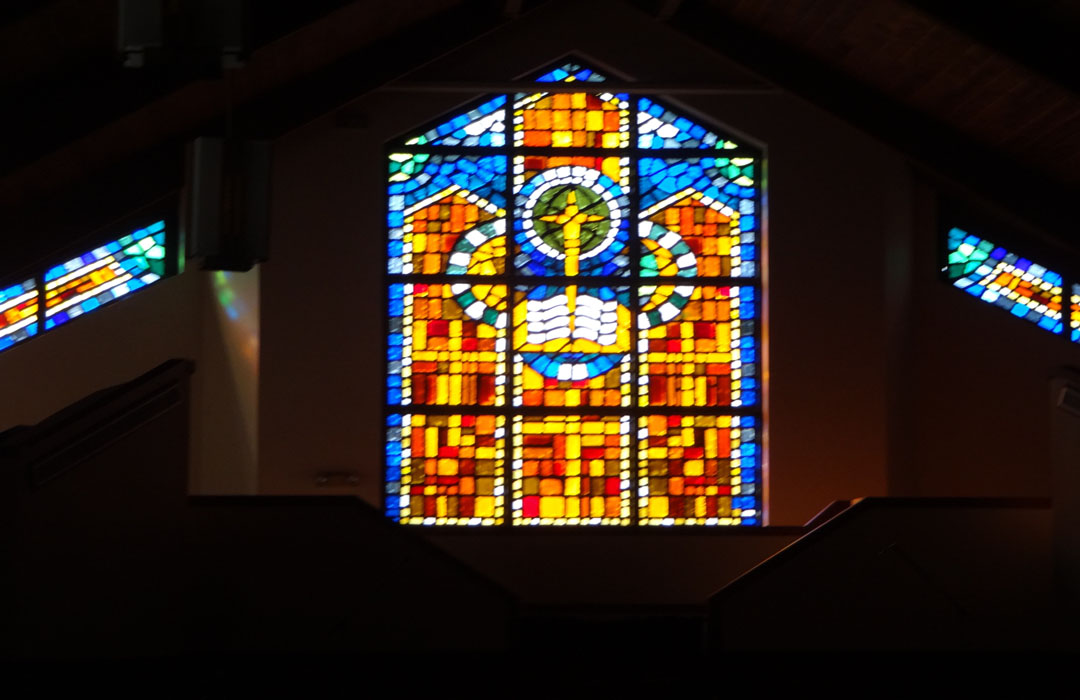 Worship Event Glass 1080X700