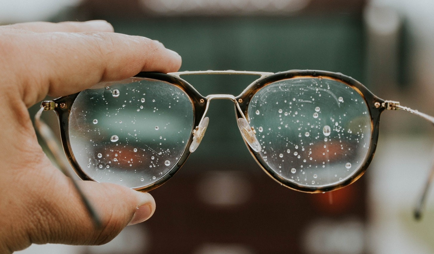 glasses-unsplash