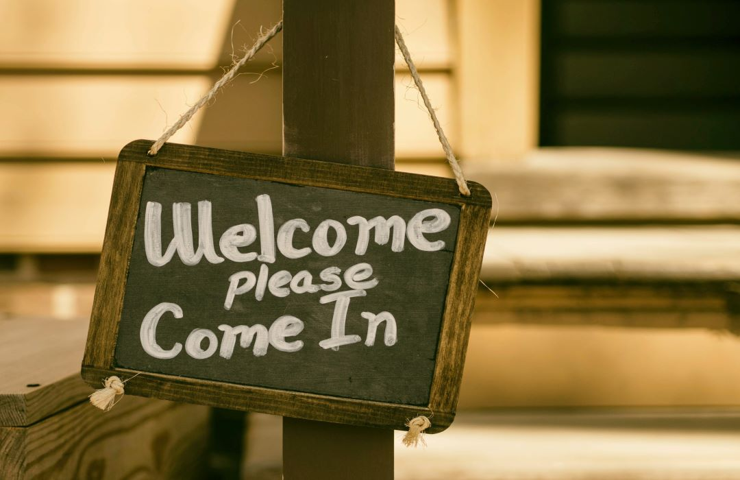 welcome please come in 1080x700