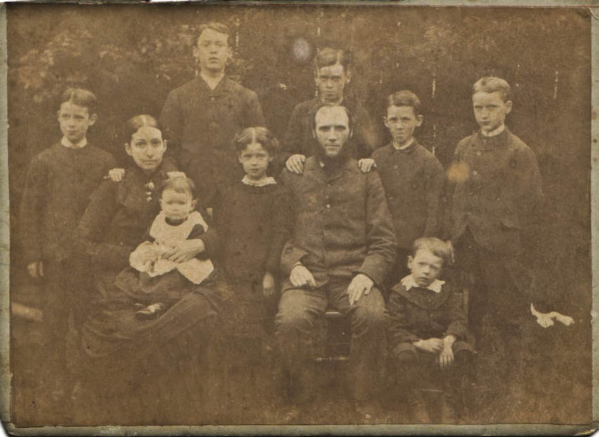 Thomas and Ellen Macindoe and children-1