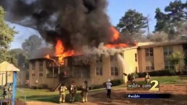 RAW-VIDEO_-Fire-breaks-out-at-DeKalb-County-apartment-com_11448177_1454073056108_902547_ver1.0_640_360 (1)