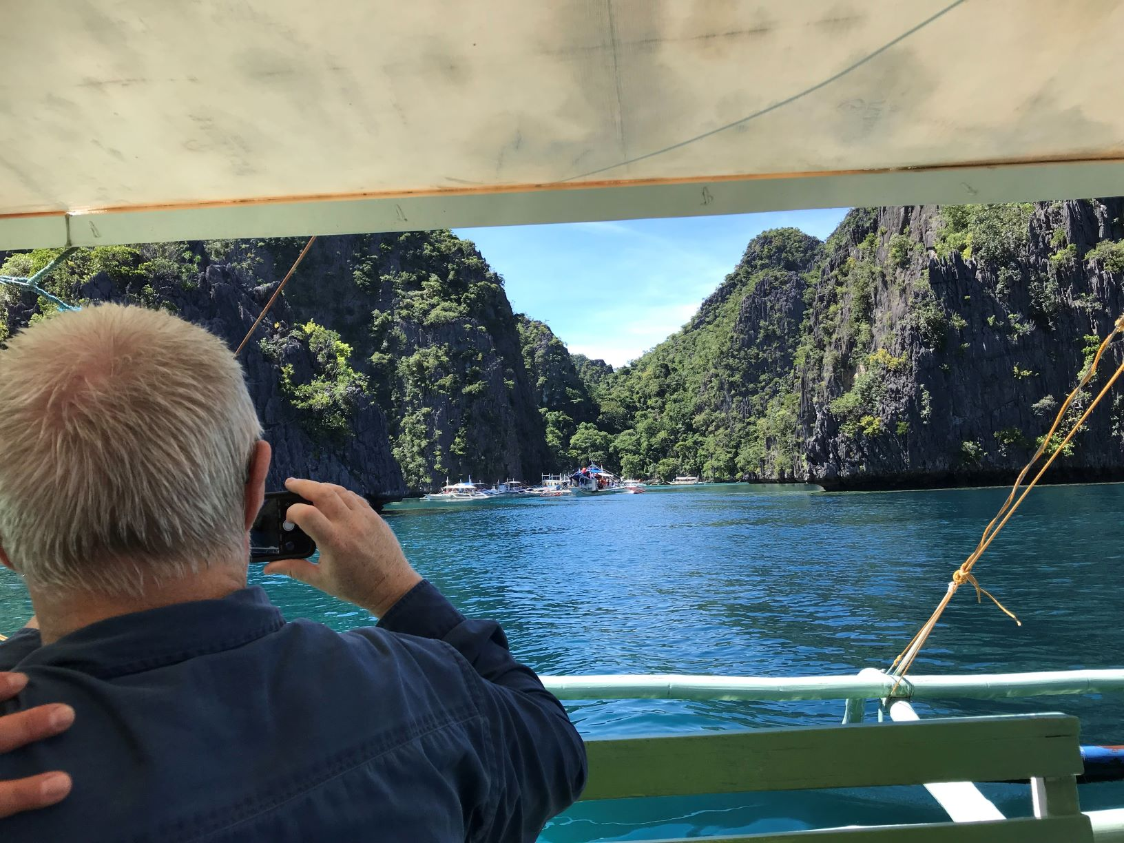 Philippines 2019 - 22 taking picture